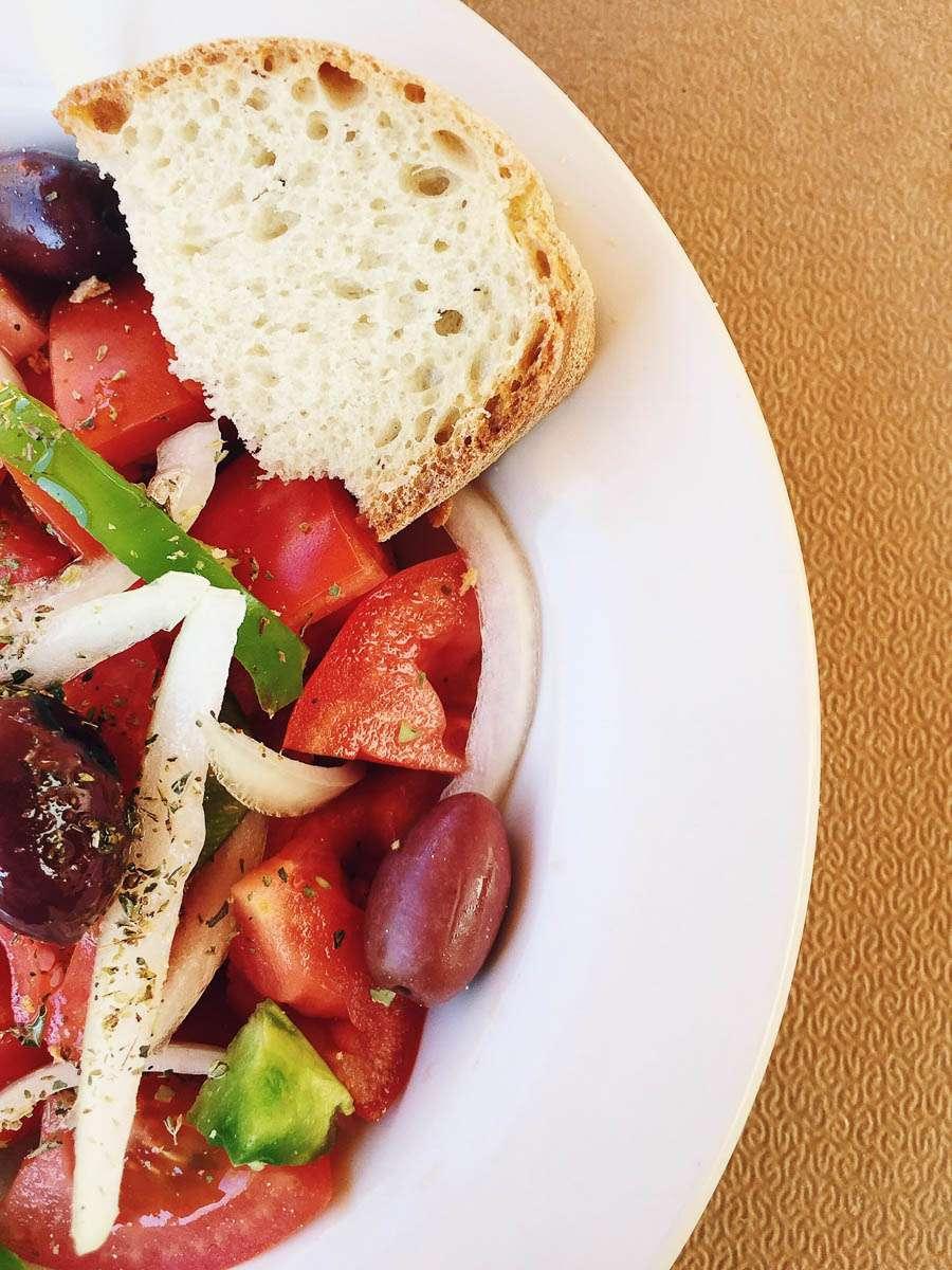 salat-vegan-zweitgrößte-insel-griechenlands-euböa-ahoi-adventures