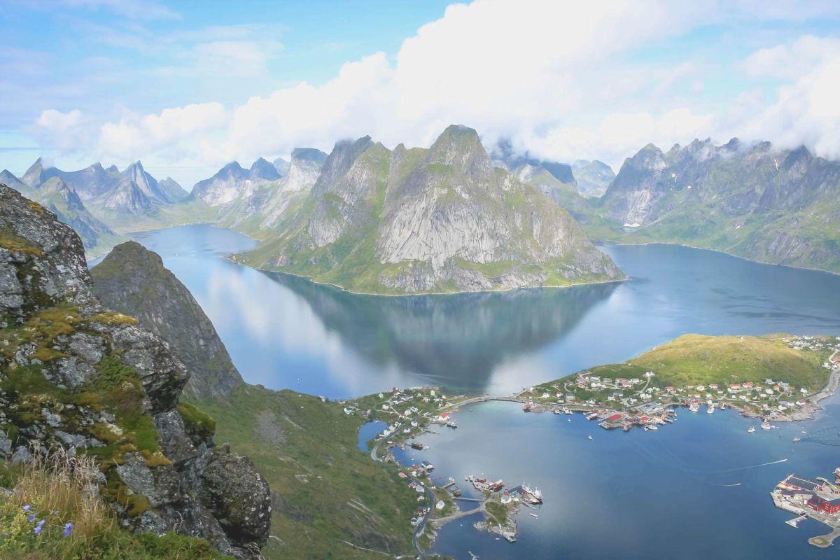 lofoten-reisezeit-ahoi-adventures-reinebringen-reine