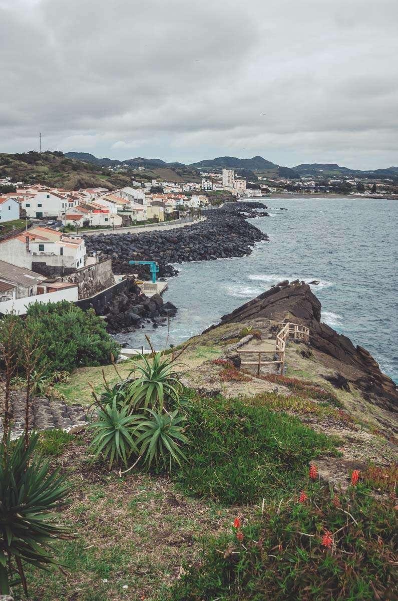 Aussicht vom Miradouro do Ilhéu de Rosto de Cão in Sao Roque.