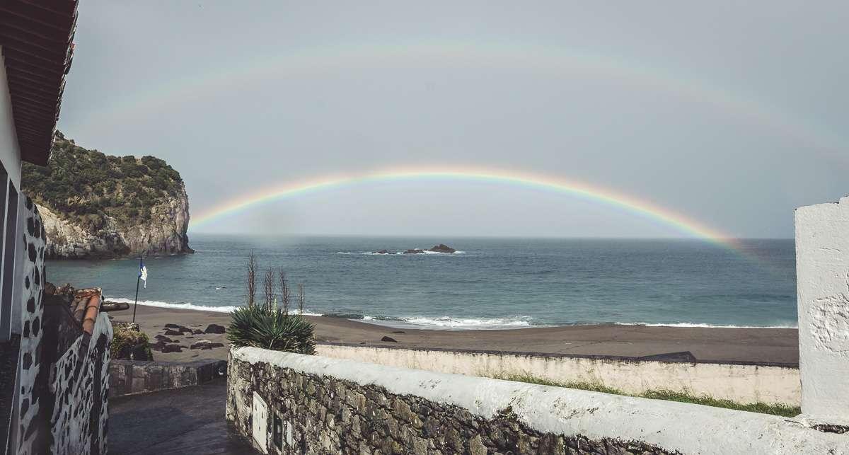 Der zweite doppelte Regenbogen am Praia dos Moinhos.
