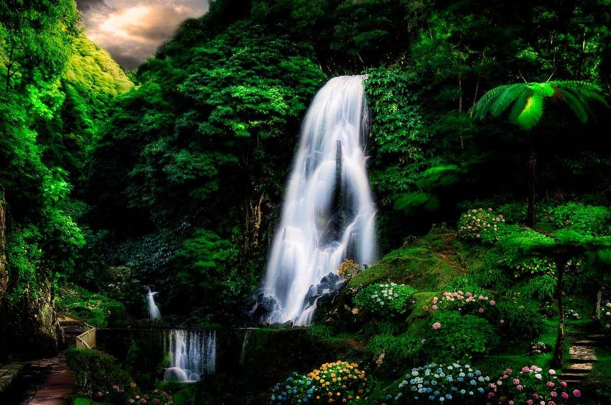 Der Ribeira dos Caldeirões. Sao Miguels schönster Wasserfall.