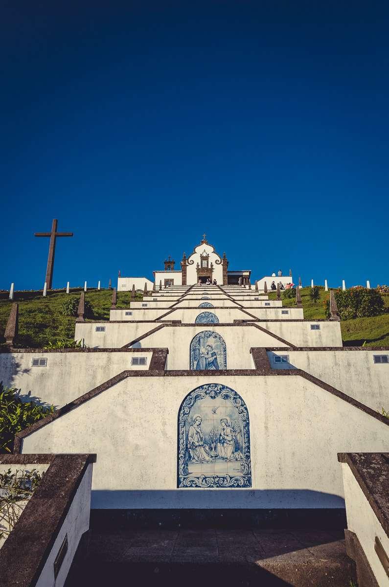 Der Steile Weg zur Ermida de Nossa Senhora da Paz bei Vila Franca do
