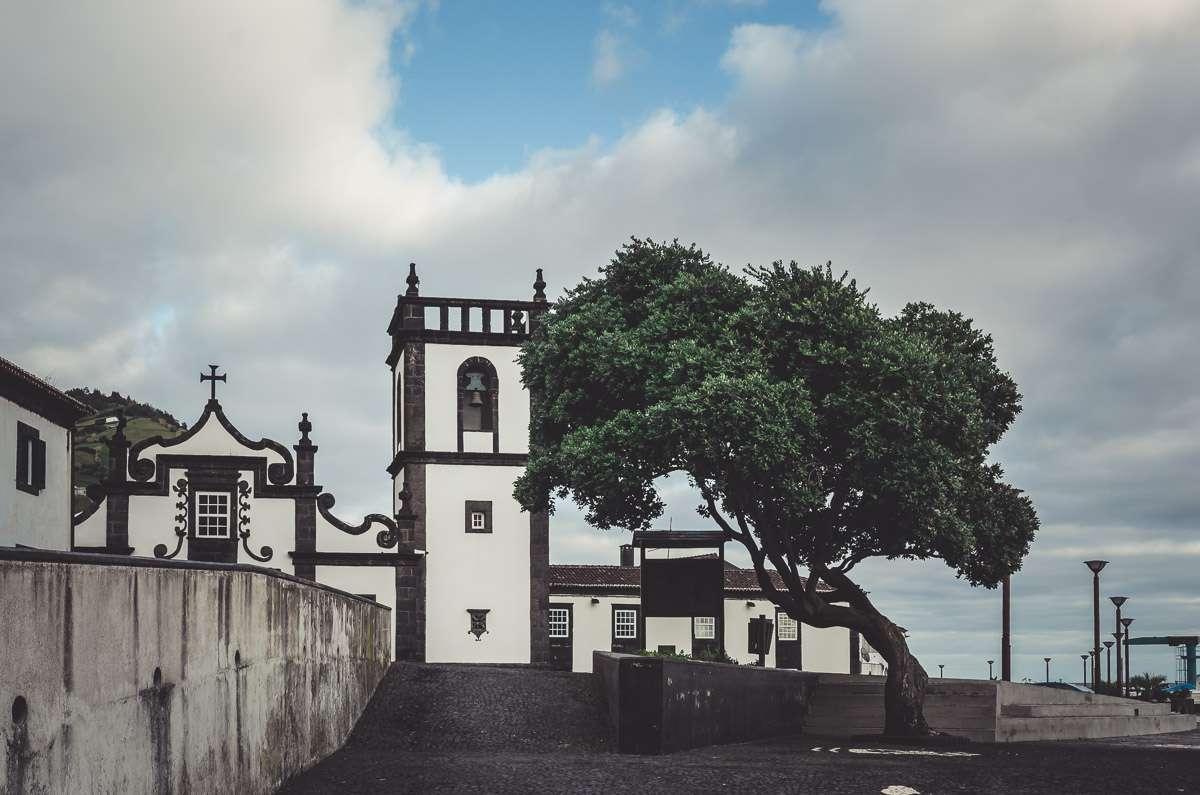 Die Kirche von Povoação.