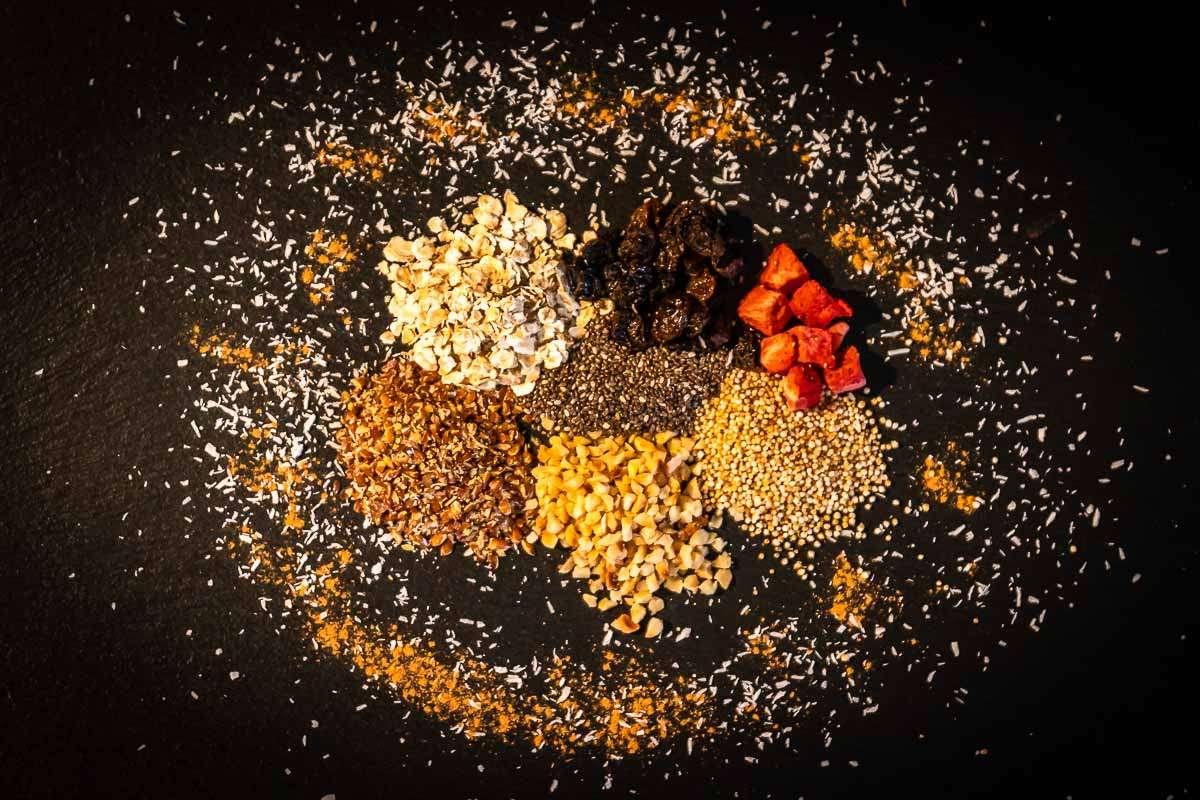 porridge-muesli-zutaten-gesund-lecker-fruehstueck-vegane-lebensmittel-liste-ahoi-adventures