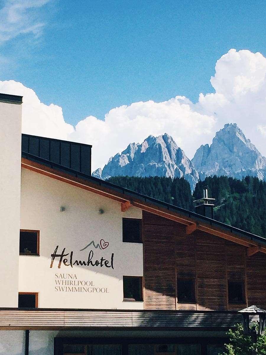 Helmhotel