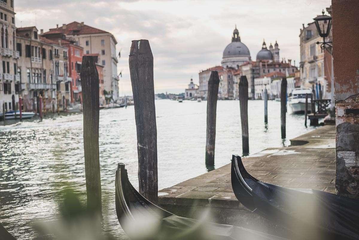 Blick auf die Santa Maria della Salute in Venedig