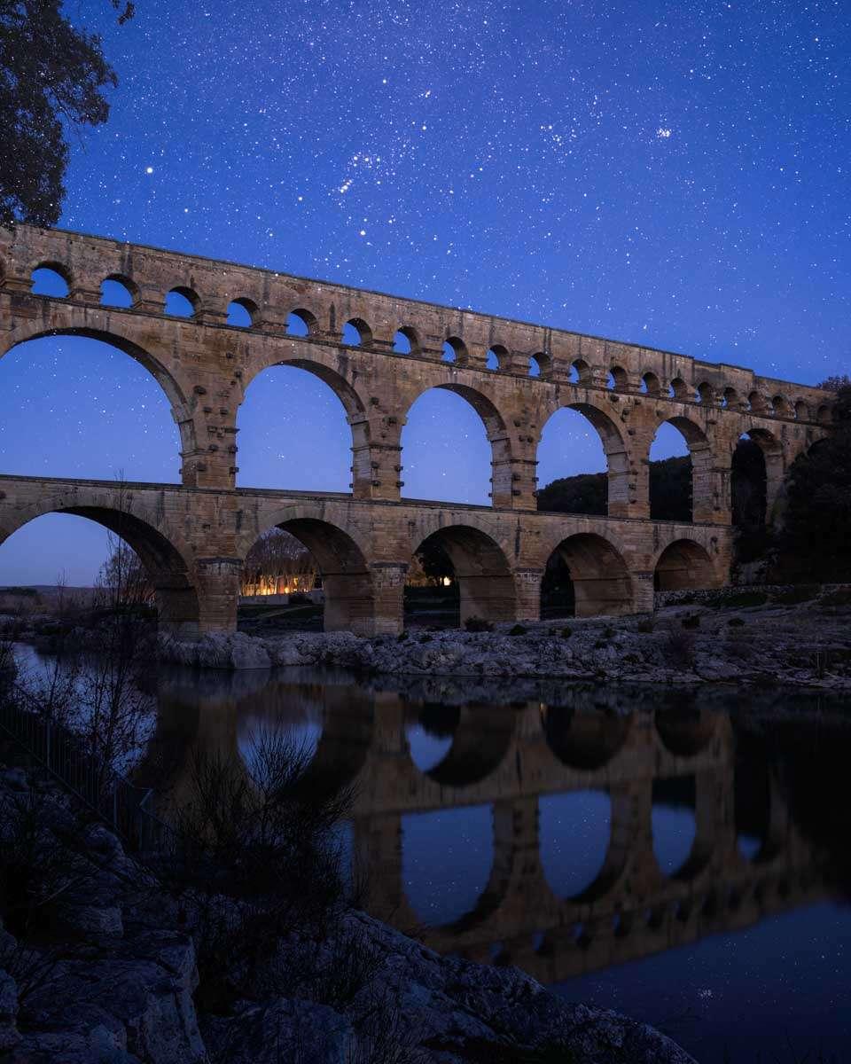 Aquädukt Pont Du Gard bei Nacht